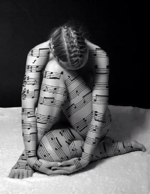mujermusicañ